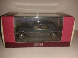 Magazine Models - Citroen  - magATCItraction : Citroen Traction avant 15-six, grey