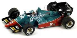 Alfa Romeo  - 1984 blue/red - 1:43 - Spark - S3871 - spaS3871 | Tom's Modelauto's