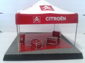 Magazine Models - Citroen  - magdioloeb : Citroen Monte Carlo Rally Loeb diorama set with tent.Tent & Cast on resin base, 2x Suitcases, 2x roll cabs,