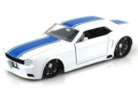 Ford  - 1965 white w/blue stripes - 1:24 - Jada Toys - 96895w - jada96895w | Toms Modelautos