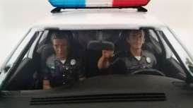 American Diorama - diorama Figures - AD23830 : 1/18 Police Figures sitting in a car. Set of 2 figures