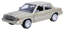 Dodge  - 1982 champagne - 1:24 - Motor Max - 73335ch - mmax73335ch | Toms Modelautos