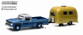 Dodge Airstream - 1966  - 1:64 - GreenLight - 32030A - gl32030A | Tom's Modelauto's