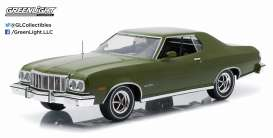 Ford  - Gran Torino 1976 dark green metallic - 1:18 - GreenLight - 19018 - gl19018 | Tom's Modelauto's