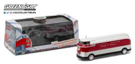 GM  - 1940 red/white/silver - 1:64 - GreenLight - 29832 - gl29832 | Toms Modelautos