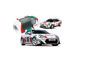 Toyota  - 2015 white/green/red - 1:43 - IXO Models - ixmdcs01ty | Tom's Modelauto's