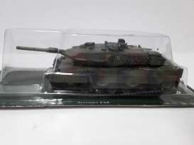 Combat Vehicles  - green camouflage - Magazine Models - magCV-03 | Tom's Modelauto's