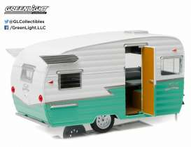 Shasta  - 1961 white/green - 1:24 - GreenLight - 18227 - gl18227 | Toms Modelautos