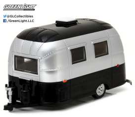 Airstream  - Bambi aged silver - 1:24 - GreenLight - 18226 - gl18226 | Tom's Modelauto's