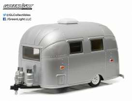 Airstream  - Bambi silver - 1:24 - GreenLight - 18224 - gl18224 | Tom's Modelauto's