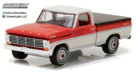 GreenLight - Ford  - gl29862 : 1967 Ford F-100 with bed cover, red/white
