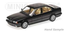 BMW  - 535i (E34) 1988 blue metallic - 1:18 - Minichamps - 100024004 - mc100024004 | Toms Modelautos