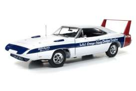Dodge  - 1969 white/blue - 1:18 - Auto World - AMM1091 | Tom's Modelauto's
