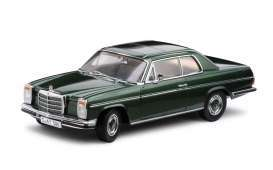 Mercedes Benz  - Strich 8 saloon 1968 moss green - 1:18 - SunStar - 4586 - sun4586 | Tom's Modelauto's