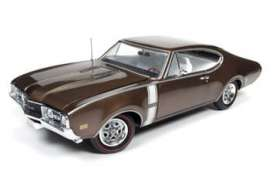 Oldsmobile  - Cutlass 442 Hardtop 1968 cinnamon bronze poly - 1:18 - Auto World - AMM1084 | Tom's Modelauto's