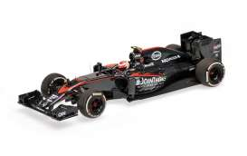McLaren  - 2015 black - 1:43 - Minichamps - 537154122 - mc537154122 | Toms Modelautos
