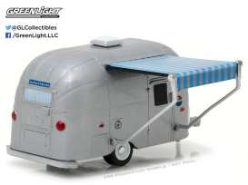 GreenLight - Airstream  - gl34010F : 2016 Airstream Bambi with blue/white Awning pack *Hitched homes series 1*