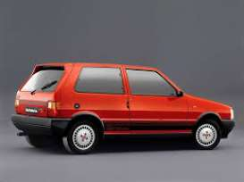 Ixo Premium X - Fiat  - ixPRD051 : 1984 Fiat Uno Turbo IE, red