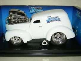 Ford  - 1940 white - 1:18 - Muscle Machines - musm61200w | Toms Modelautos