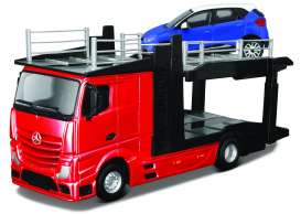 Bburago - Mercedes  - bura31466 : 2016 Mercedes Benz Actros 2545 Car Carrier + 1 Car, silver/black