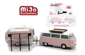 GreenLight - Volkswagen Catolac DeVille Travel Trailer - gl51114A : Volkswagen T2 Bus with Roof Rack & Catolac DeVille Travel Trailer *Hitch and tow Series II*