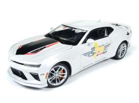Chevrolet  - 2017 white - 1:18 - Auto World - AW236 | Tom's Modelauto's