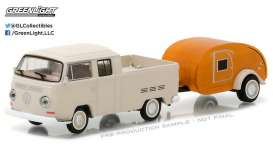 GreenLight - Volkswagen  - gl32100A : 1968 Volkswagen T2 Type 2 Crew Cab Pick-Up with Tear Drop Trailer *Hitch & Tow Series 10*