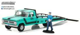 GreenLight - Ford  - gl29892 : 1967-72 Ford F-350 Ramp Truck with Truck Driver Figure (Hobby Exclusive)
