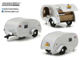 GreenLight - Teardrop Caravan  - gl18420A : 1/24 Teardrop Trailer *Hitch & Tow Trailers Series 2*.