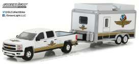 GreenLight - Chevrolet  - gl29906 : 1/64 Chevrolet Silverado and Indianapolis Motor Speedway Gift Shop Trailer *Hitch and Tow* Hobby Exclusive