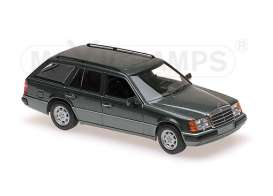 Mercedes Benz  - 1990 green metallic - 1:43 - Maxichamps - 940037011 - mc940037011 | Tom's Modelauto's