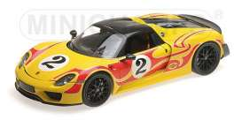 Porsche  - 2013 yellow/red stripes - 1:18 - Minichamps - 110062446 - mc110062446 | Tom's Modelauto's