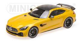 Mercedes Benz  - 2017 yellow - 1:18 - Minichamps - 155036021 - mc155036021 | Tom's Modelauto's