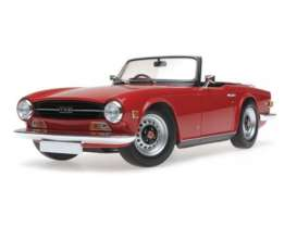 Triumph  - TR6 1969 red - 1:18 - Minichamps - 155132031 - mc155132031 | Tom's Modelauto's