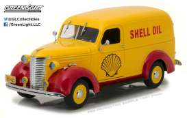 GreenLight - Chevrolet  - gl18237 : 1939 Chevrolet Delivery Truck Shell Oil *Running on Empty*, yellow/red