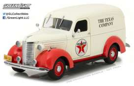 GreenLight - Chevrolet  - gl18238 : 1939 Chevrolet Delivery Truck Texaco *Running on Empty*, red