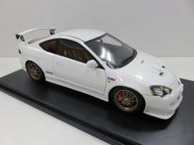 One Model - Honda  - one15c03-01 : Honda Integra Type-R DC5, mugen white