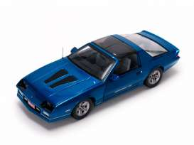 Chevrolet  - 1985 bright blue - 1:18 - SunStar - 1942 - sun1942 | Tom's Modelauto's