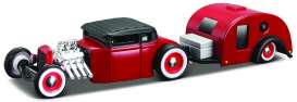 Maisto - Ford  - mai11368-16918 : 1929 Ford Model A Traveler Trailer Tow & Go, red