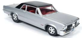 Pontiac  - 1964 silver/black - 1:24 - Auto World - 24007 - AW24007 | Tom's Modelauto's