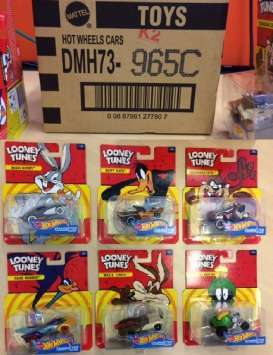 Hotwheels - non  - hwmvDMH73 : 1/64 *Looney Tunes* assortment.