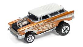 Chevrolet  - 1957 orange metallic/white - 1:64 - Johnny Lightning - SF002A2 - JLSF002A2 | Tom's Modelauto's