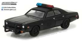 GreenLight - Dodge  - gl27930C : 1976 Dodge Coronet Black Bandit Police *Black Bandit Series 18*, black