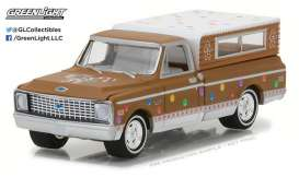 GreenLight - Chevrolet  - gl37120D : 1972 Chevrolet C-10 with Small Camper *GreenLight Holiday Ornaments Series 2*