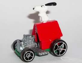 Snoopy  - Mobile white/red - 1:64 - Hotwheels - mvDWJ89 - hwmvDWJ89 | Toms Modelautos