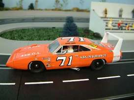 Carrera - Dodge  - Carrera25717^1 : 1970 Dodge Charger Daytona #71 Bobby Isaac *slotcar*, red/white