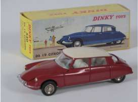 Citroen  - DS 19 red - 1:43 - Magazine Models - 2267001 - magDT2267001 | Tom's Modelauto's