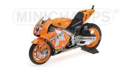 Honda  - 2011 orange - 1:12 - Minichamps - mc122111204 | Tom's Modelauto's