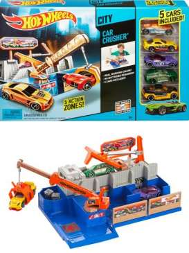 Mattel Hotwheels - Kids Hotwheels - MatCKK38 : Hotwheels *Car Crusher* Playset with 5 cars included. These sets can be used to build great big tracks with various tricks and stunts.