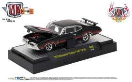 M2 Machines - Oldsmobile  - M2-32600-38F : 1970 Oldsmobile Cutlass 442 W-30 *Detroit-Muscle Release 38* black/red